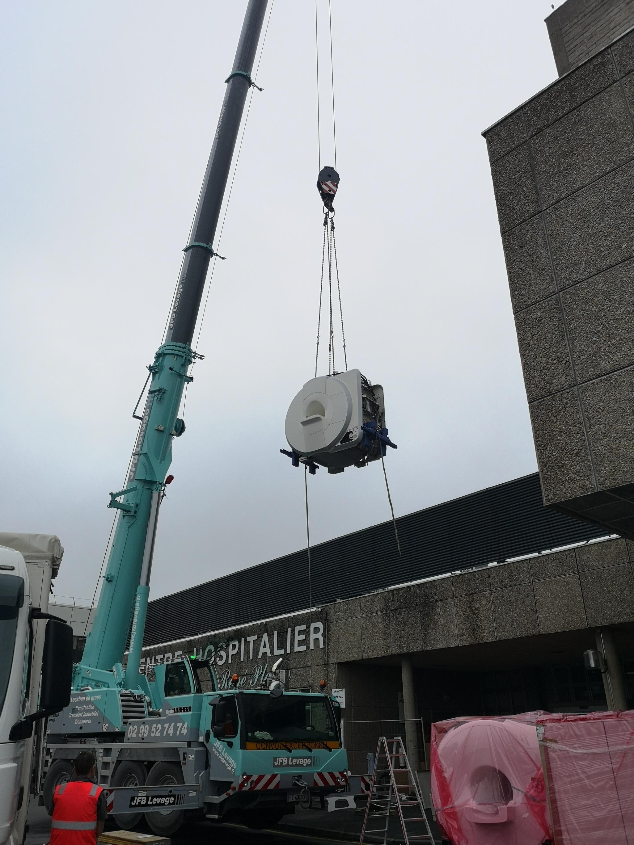 Un nouvel appareil d'IRM de pointe est arrivé au Pole de santé de Dinan